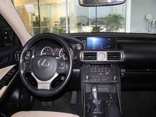 2016 LEXUS IS200t