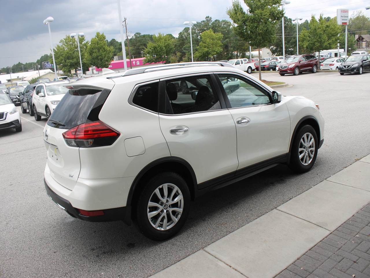 used 2017 nissan rogue sv vin jn8at2mt7hw131371 columbia sc 29223 dick smith nissan of columbia. Black Bedroom Furniture Sets. Home Design Ideas